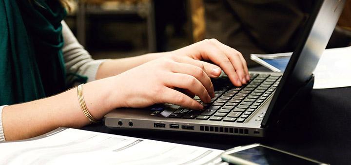 In ce situatii este util un laptop ieftin?